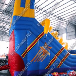 Надувная горка «Ботинок», размер 9х5х6 м.